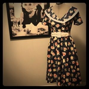 Retro pin-up style dress. Take me away, sailor!